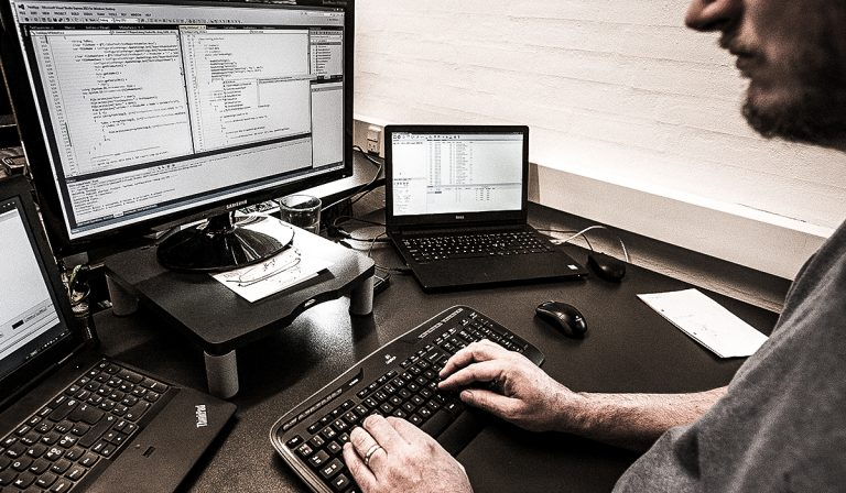 Software development and embedded electronics - Converdan